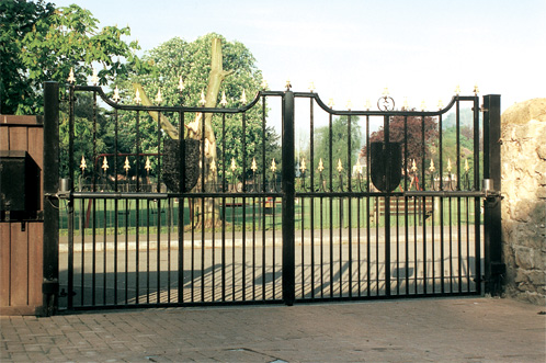 Aries Metal Gate Style